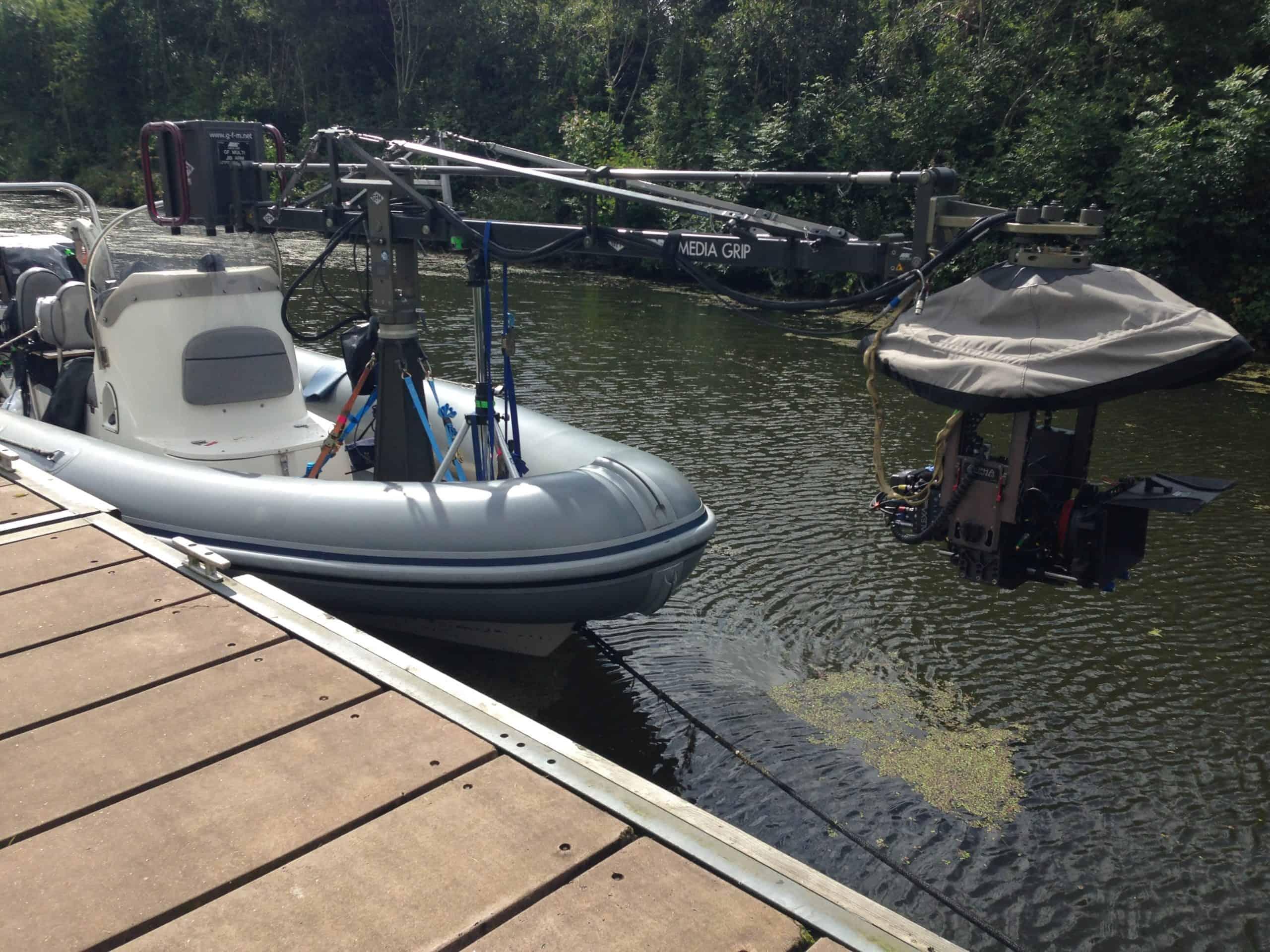 camera boat set for action